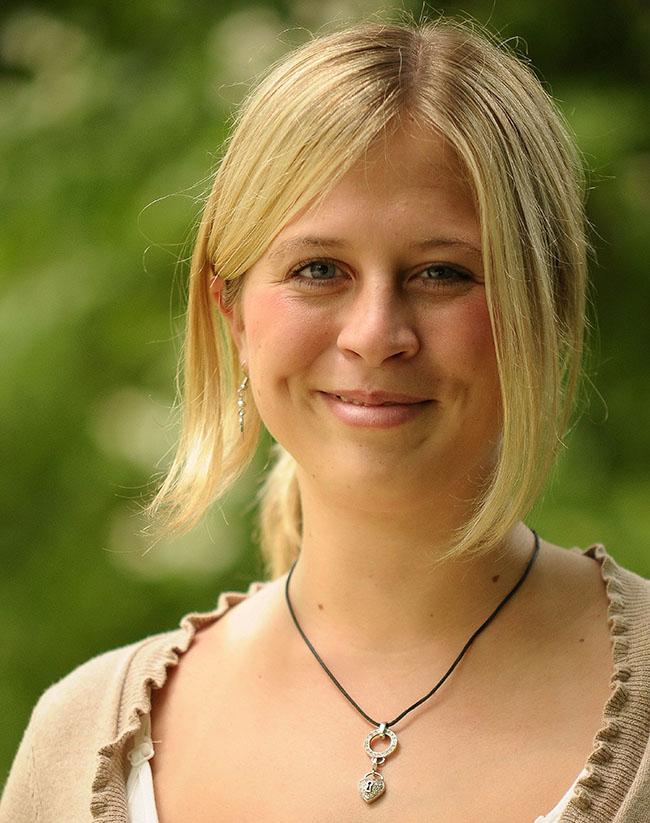 Jana-Carina: Diplom-Finanzwirtin am Finanzamt Kiel