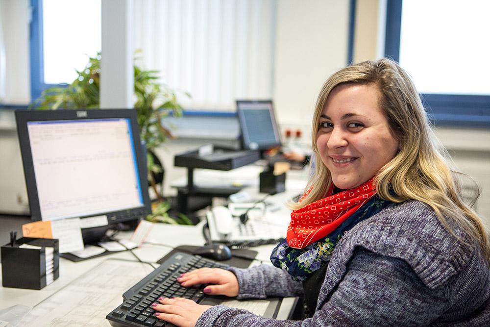 Jennifer Fenyves Ausbildung Zur Kauffrau Für Bürokommunikation Bei