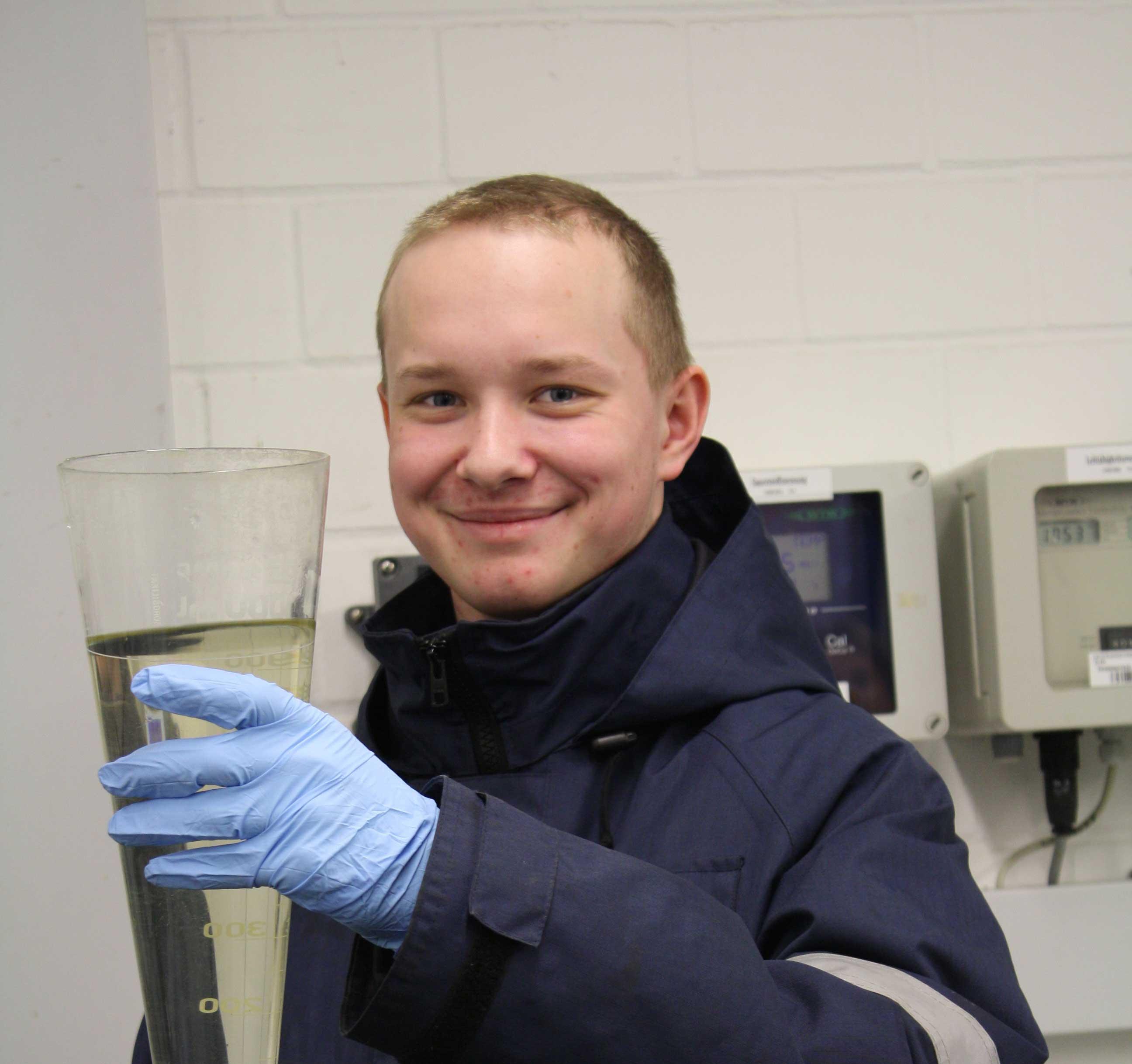 Finn: Ausbildung zur Fachkraft für Abwassertechnik beim azv Südholstein