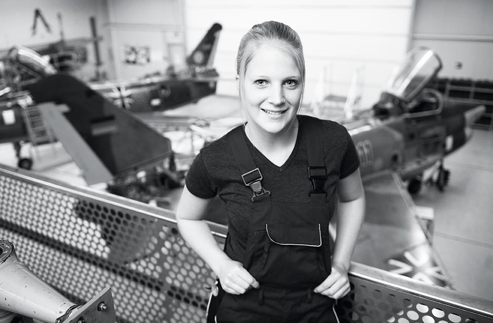Merle: Ausbildung Fluggerätemechanikerin im Bundeswehr-Dienstleistungszentrum in Husum