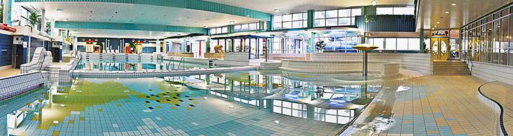 Das Meerwasserwellenbad in Eckernförde.