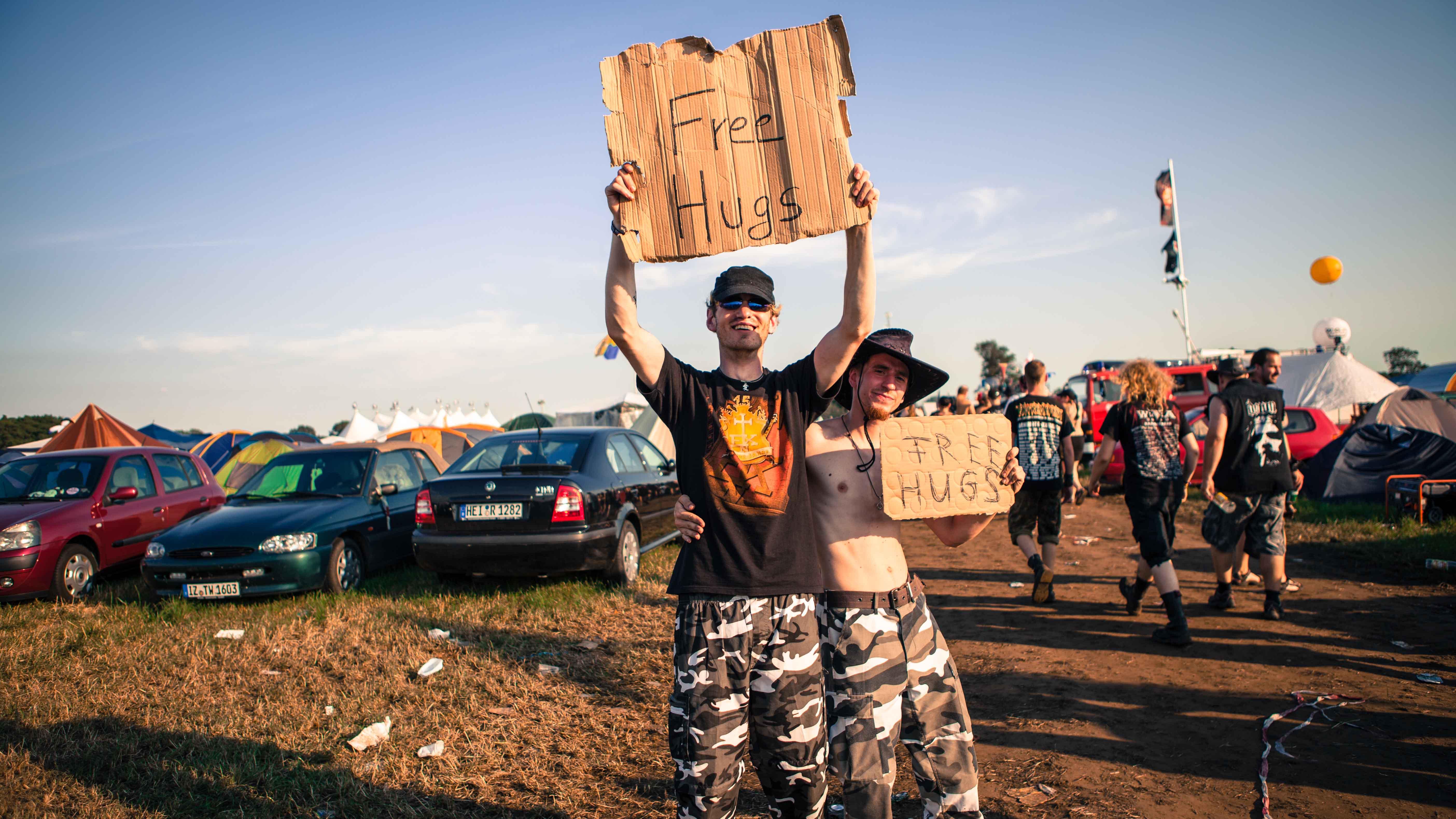 Free Hugs auf dem WOA