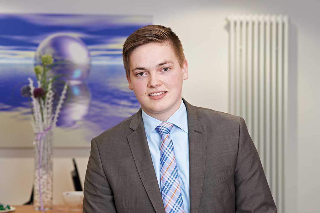 Thies: Wird Bankkaufmann bei der Volksbank Raiffeisenbank Itzehoe