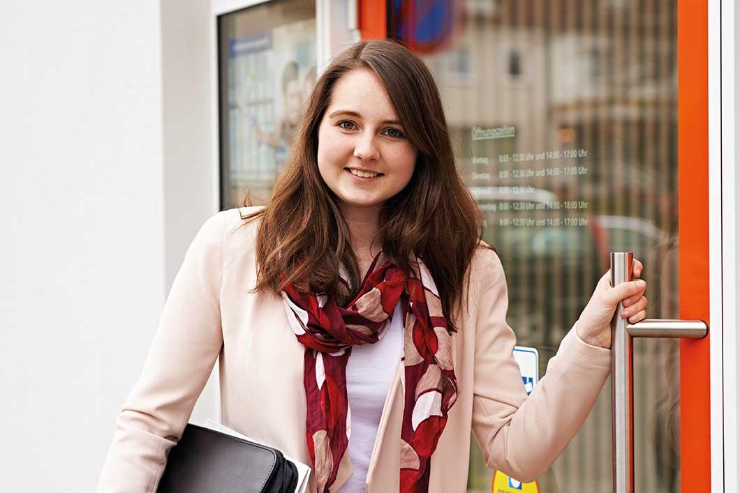 Ann-Kathrin: Wird Bankkauffrau bei der VR Bank Itzehoe