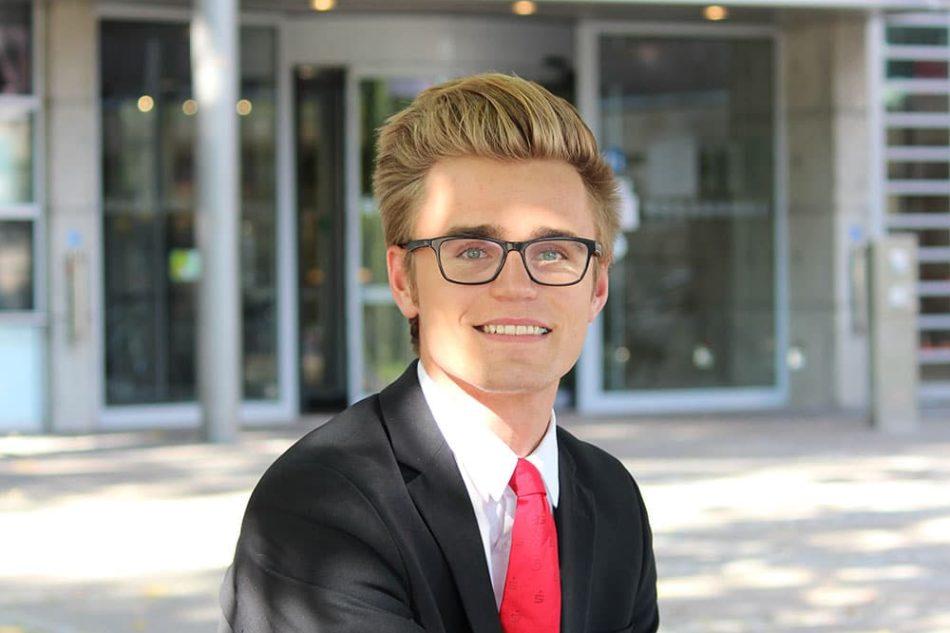 Tjark: Bankkaufmann bei der Förde Sparkasse