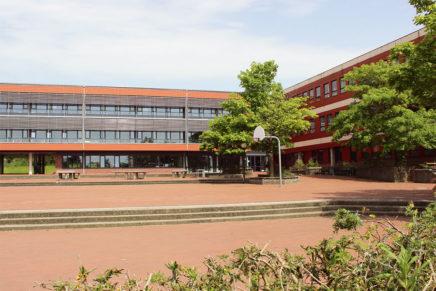 Bredstedt Gemeinschaftsschule – von der Imkerei zum Biotop