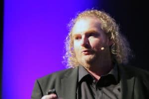 Wacken-Chef Holger Hübner live auf der Bühne