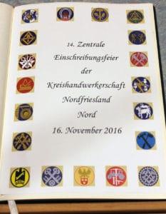 Deckblatt Goldenes Buch des Handwerks mit Innungswappen