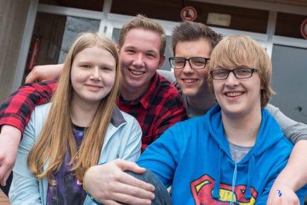"""MINT-Schule Meldorf: Von Robotern und """"lütten"""" Ingenieuen"""
