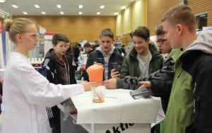 Live-Experiment mit Lecke Spiegel von Voss Chemie