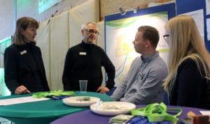 Berufsberater Uwe Mentz auf der Messe Schule trifft Wirtschaft