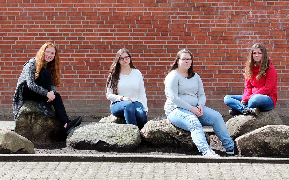 Texten, Fotografieren und Layouten beim Medientag in Brunsbüttel