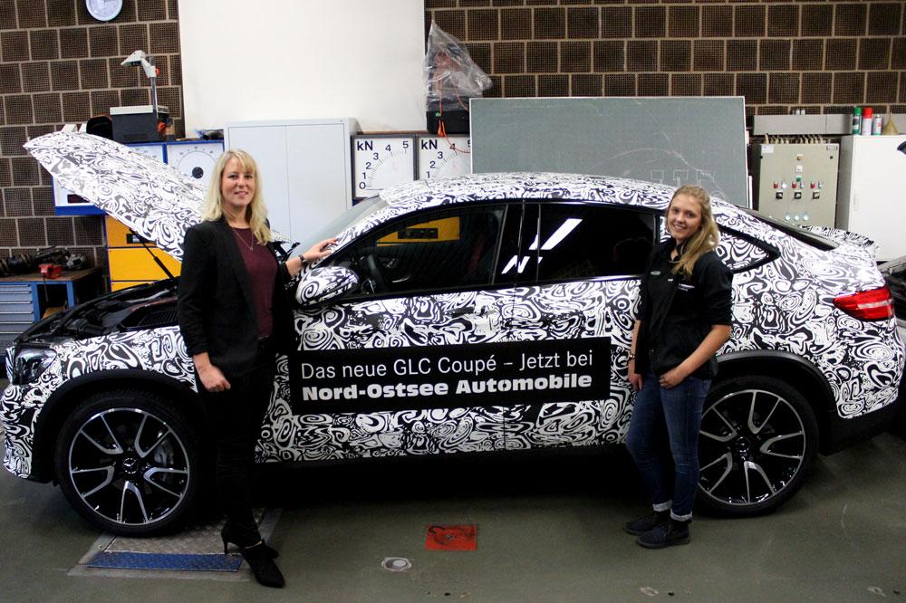 Dana Spottock und Lena Korinth von Nord-Ostsee Automobile