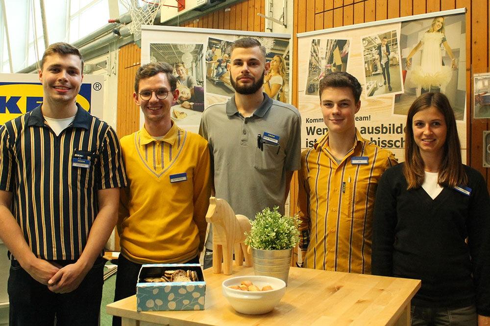 Azubis von IKEA