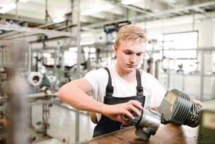 Bjarne: Wird Elektroniker für Automatisierungstechnik bei der Covestro Deutschland AG