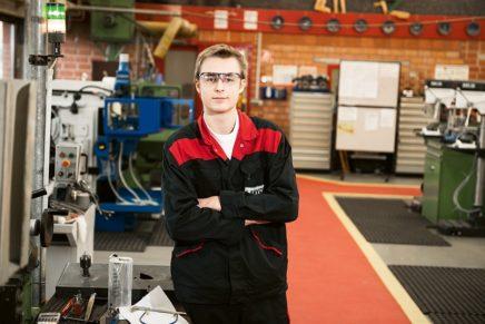Tobias: Wird Industriemechaniker bei Lanxess, aber lernt zusammen mit den Azubis bei Covestro
