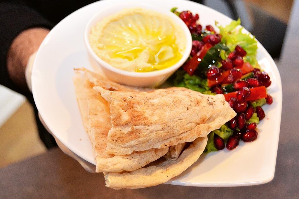 Syrische Küche am Ostufer junger Syrer