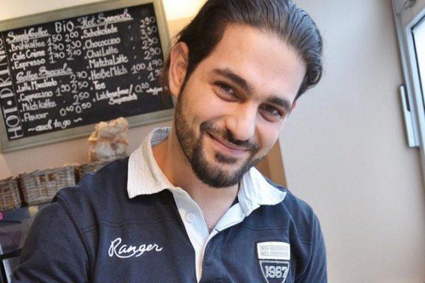 junger Syrer Besitzer der Coffee Cloud i