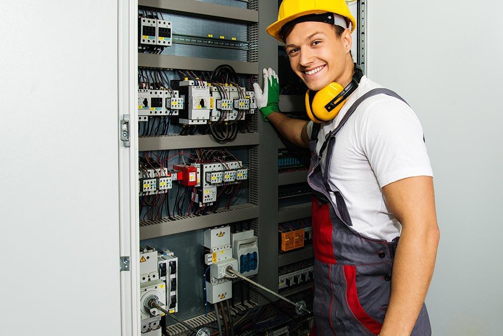 Elektrotechnische/r Assistent/in