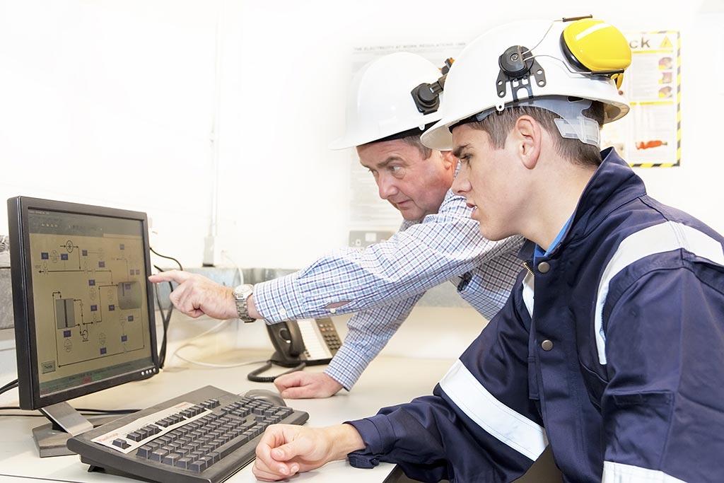 Ausbildung zum/zur Elektroniker/in für Maschinen und Antriebstechnik