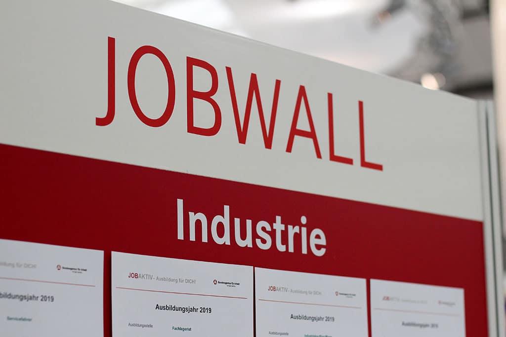 Die Jobwall auf der JOBAKTIV in Neumünster
