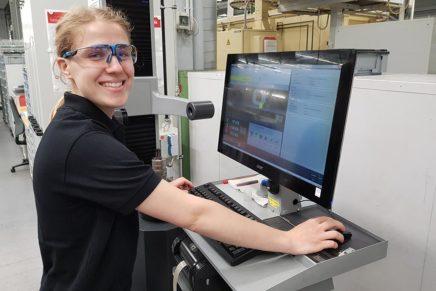 Lydia: Zerspanungsmechanikerin bei Danfoss Power Solutions in Neumünster