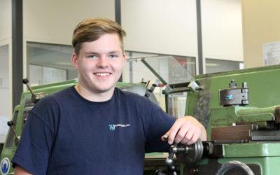 Mika Glasik wird Industriemechaniker bei den Stadtwerken Kiel