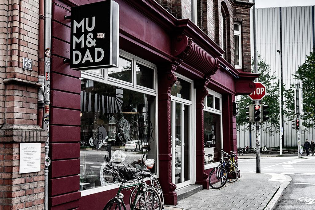 Außenansicht vom MOM&DAD beim Kieler Kunstfestival