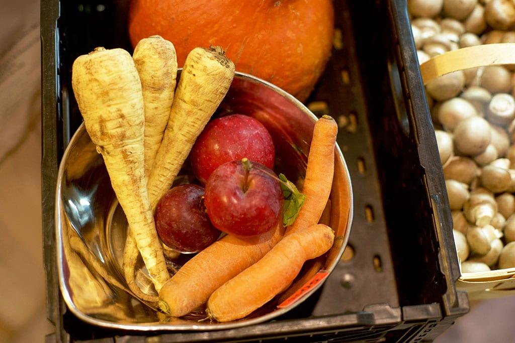 Frisches Gemüse im Unverpackt Laden.