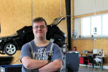 Kevin: Kfz-Mechatroniker beim Autohaus Kornkoog
