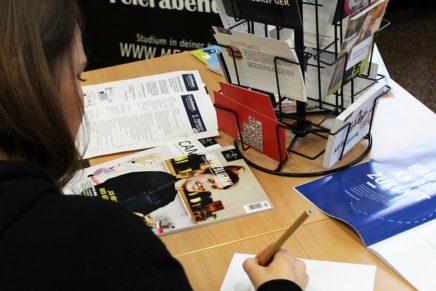 Hoch hinaus! 6. Berufsmesse für Abitur und Fachhochschulreife an der Käthe-Kollwitz-Schule Kiel