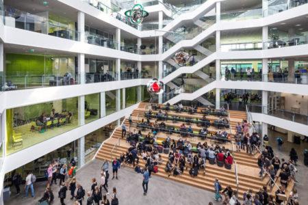 Volles Haus im VIA University College