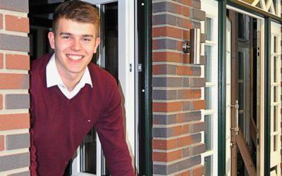Niklas wird Industriekaufmann bei Aldra Fenster und Türen GmbH