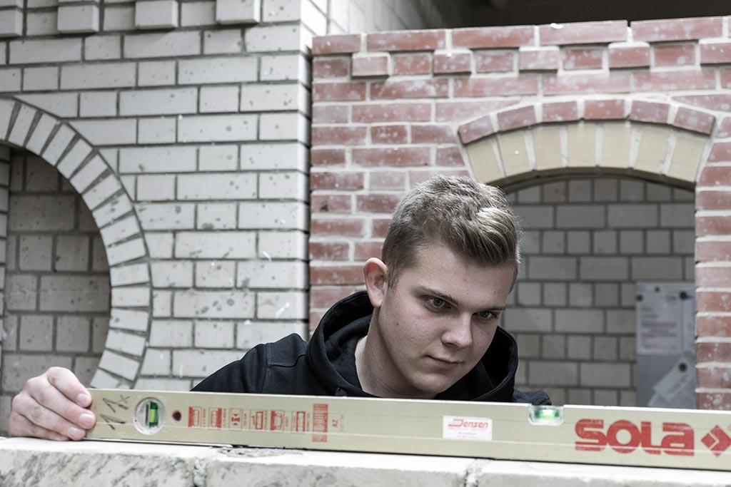 Tim-Niclas: Maurer bei der Lorenzen Nissen Bau GmbH