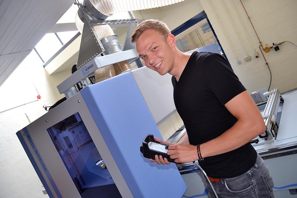 Simon: Ausbildung zum Tischler an der Beruflichen Schule des Kreises Nordfriesland in Niebüll