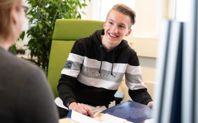 Fabian wird Personaldienstleistungskaufmann bei der GMSH