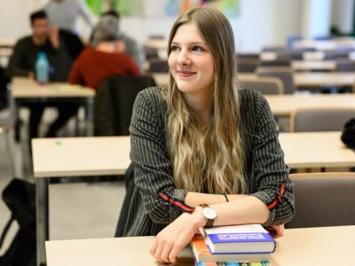 Dana studiert BWL an der Hochschule Flensburg
