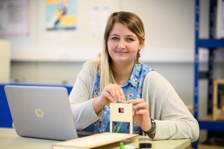 Nele: Wissenschaftliche Mitarbeiterin an der Hochschule Flensburg