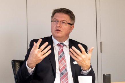 """""""Wir müssen neu denken!"""" – Stefan Mohrdieck, Landrat im Kreis Dithmarschen"""