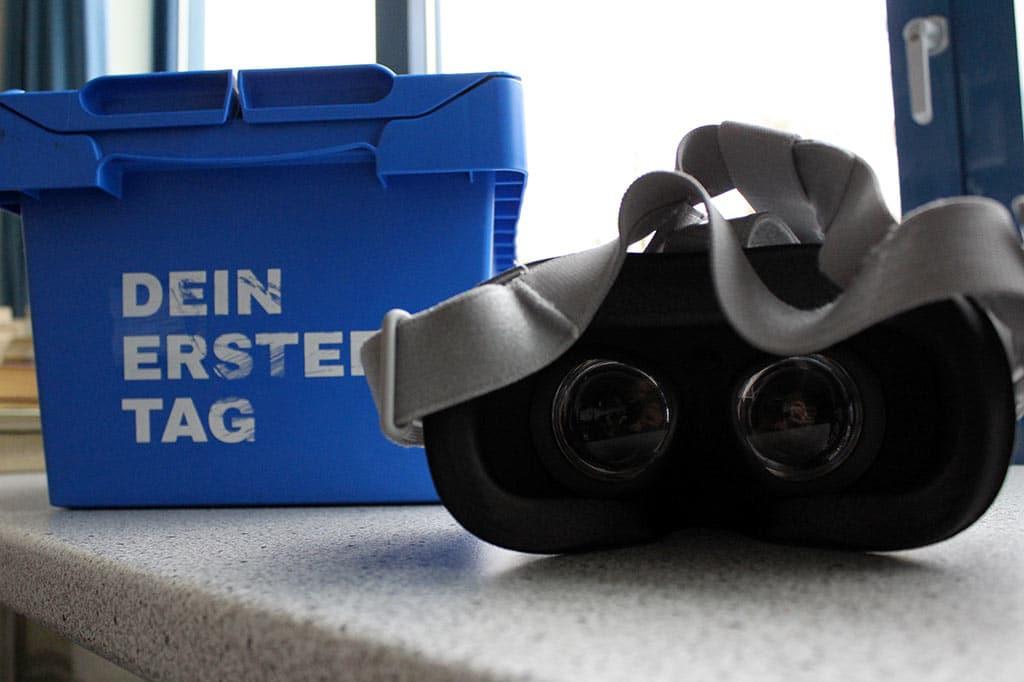"""Die VR-Brille bei """"Dein erster Tag"""""""