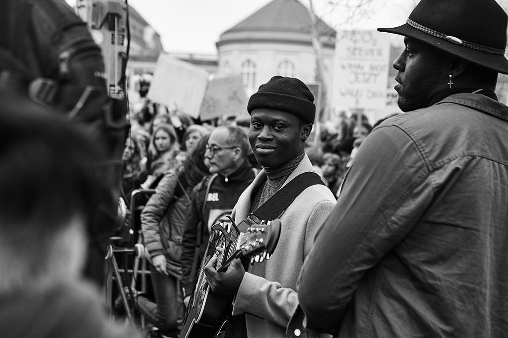Musiker bei der Fridays For Future Demo in Berlin