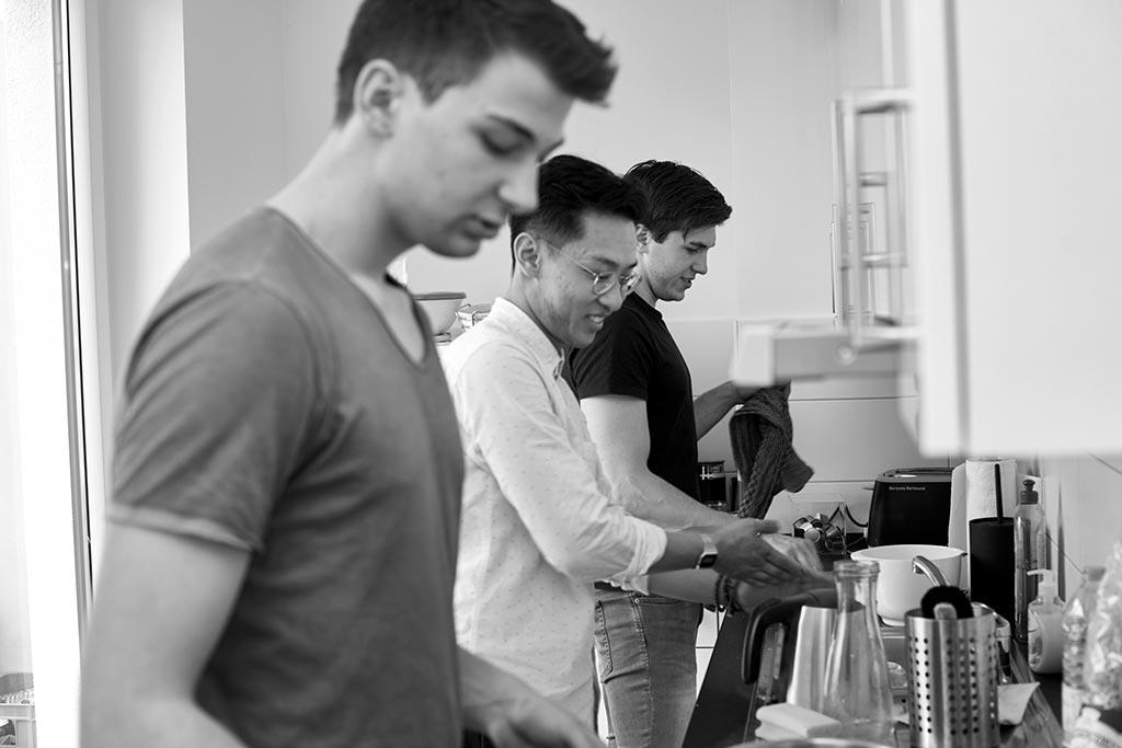 Kochen in der Männer-WG in Hamburg