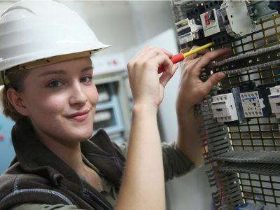 Ausbildung zum/r Elektroniker/in für Energie- und Gebäudetechnik bei Elektro Eimecke