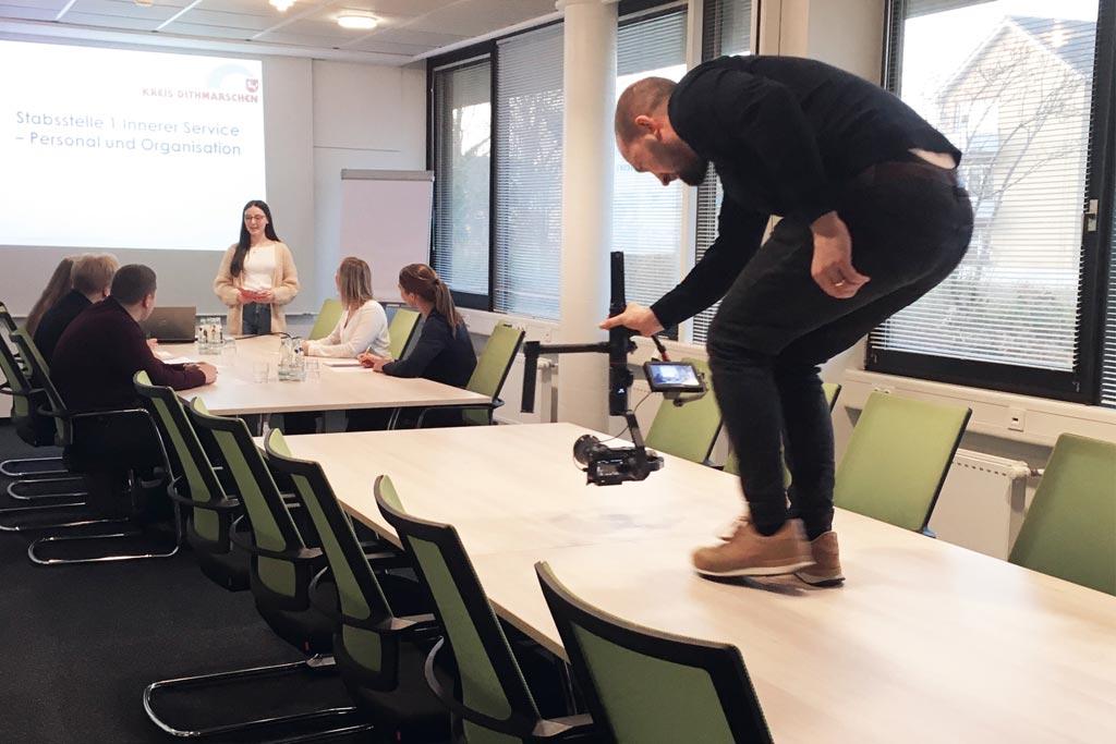 EINE FRAGE DER PERSPEKTIVE – Making-of: Die Kreisverwaltung Dithmarschen in bewegten Bildern