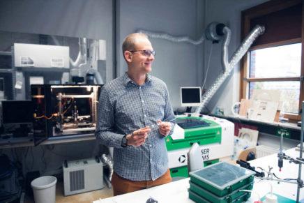 Der Nano-Ingenieur – Wie Leonard Siebert den Spagat zwischen Naturwissenschaft und Technik meistert