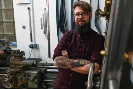 Metall und Design mit Herz und Hand – Niclas Nickels Leben als selbständiger Handwerksmeister