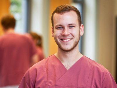 Jonah: 2 Ausbildungsjahr zum Gesundheits- und Krankenpfleger beim Städtischen Krankenhauses Kiel