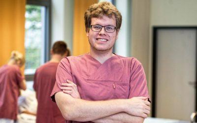 Jan ist Gesundheits- und Krankenpfleger beim Städtischen Krankenhaus Kiel.